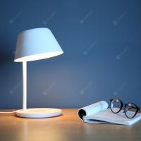 Yeelight YLCT03YL 20W LED Table Lamp Pro – מנורת שולחן/שידה יפיפה וחכמה של שיאומי – עם מטען אלחוטי משולב! רק 59.99$!