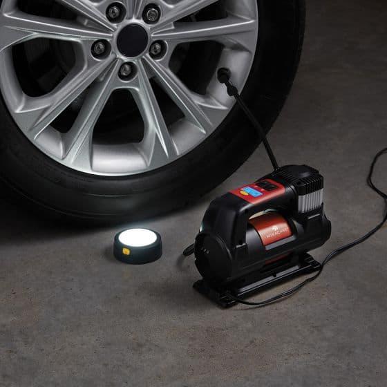 """מדחס אוויר MIRACASE MINF1800 עם תאורת LED מגנטית רק ב170ש""""ח!"""