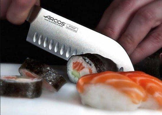 """סכין שף מקצועית רב תכליתית מבית Arcos באורך 18 ס""""מ רק ב₪89 במקום ₪149"""